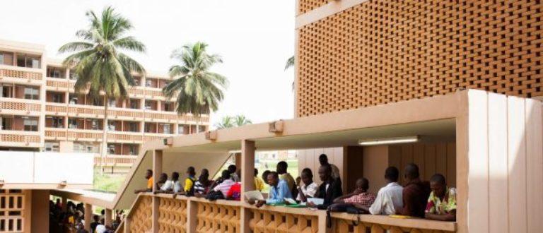 Article : Université de Cocody : Les étudiants s'offrent un marché de nuit